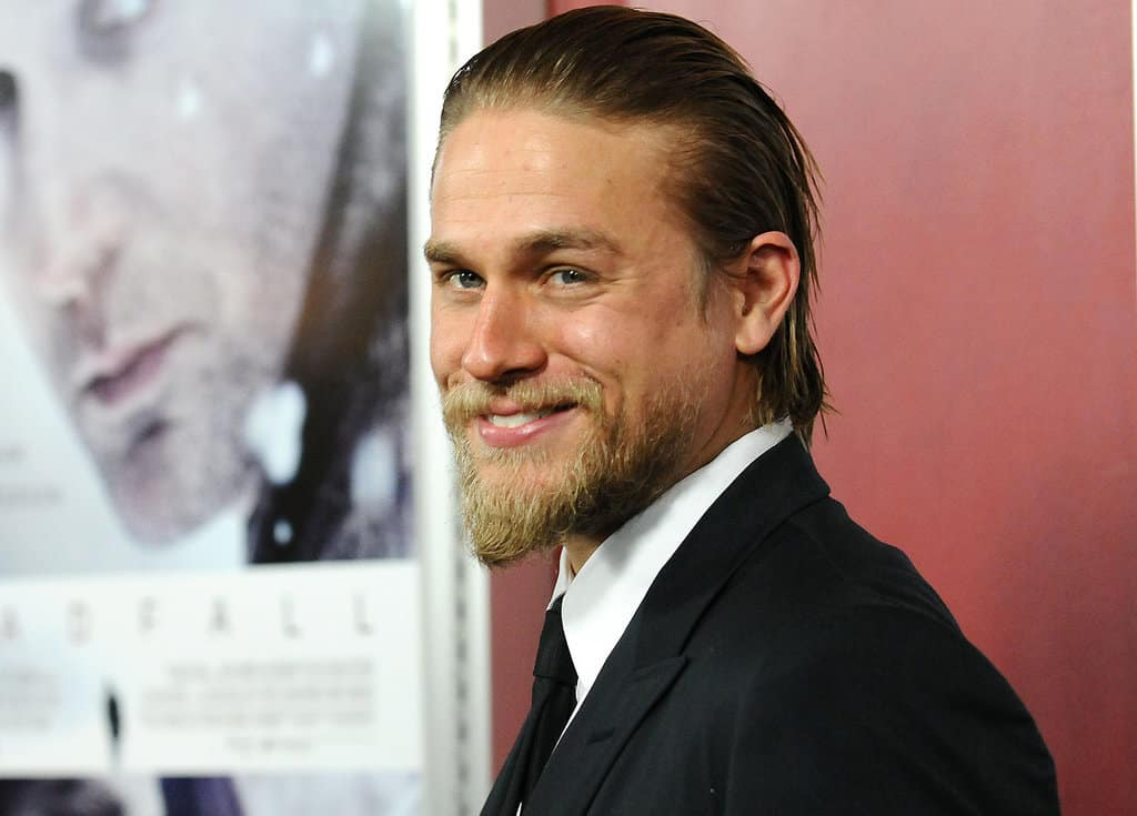 Charlie Hunnam Reveals Why He Started Vaping - VaporVanity.com